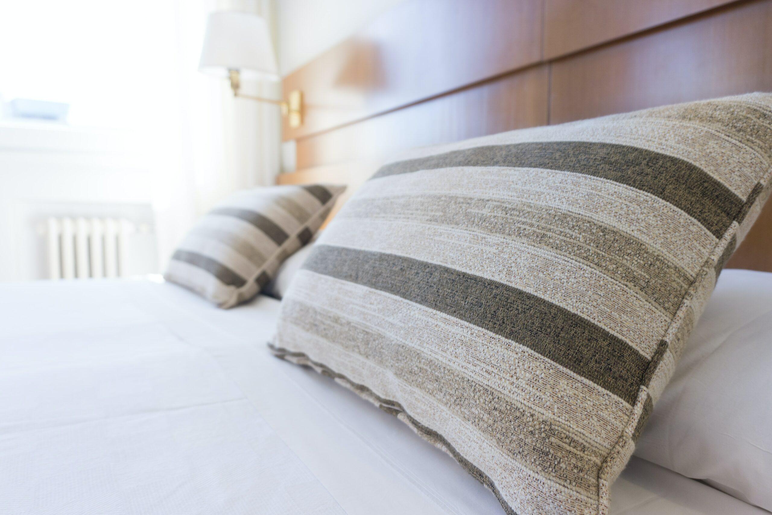 Imagen de la cama de un hotel